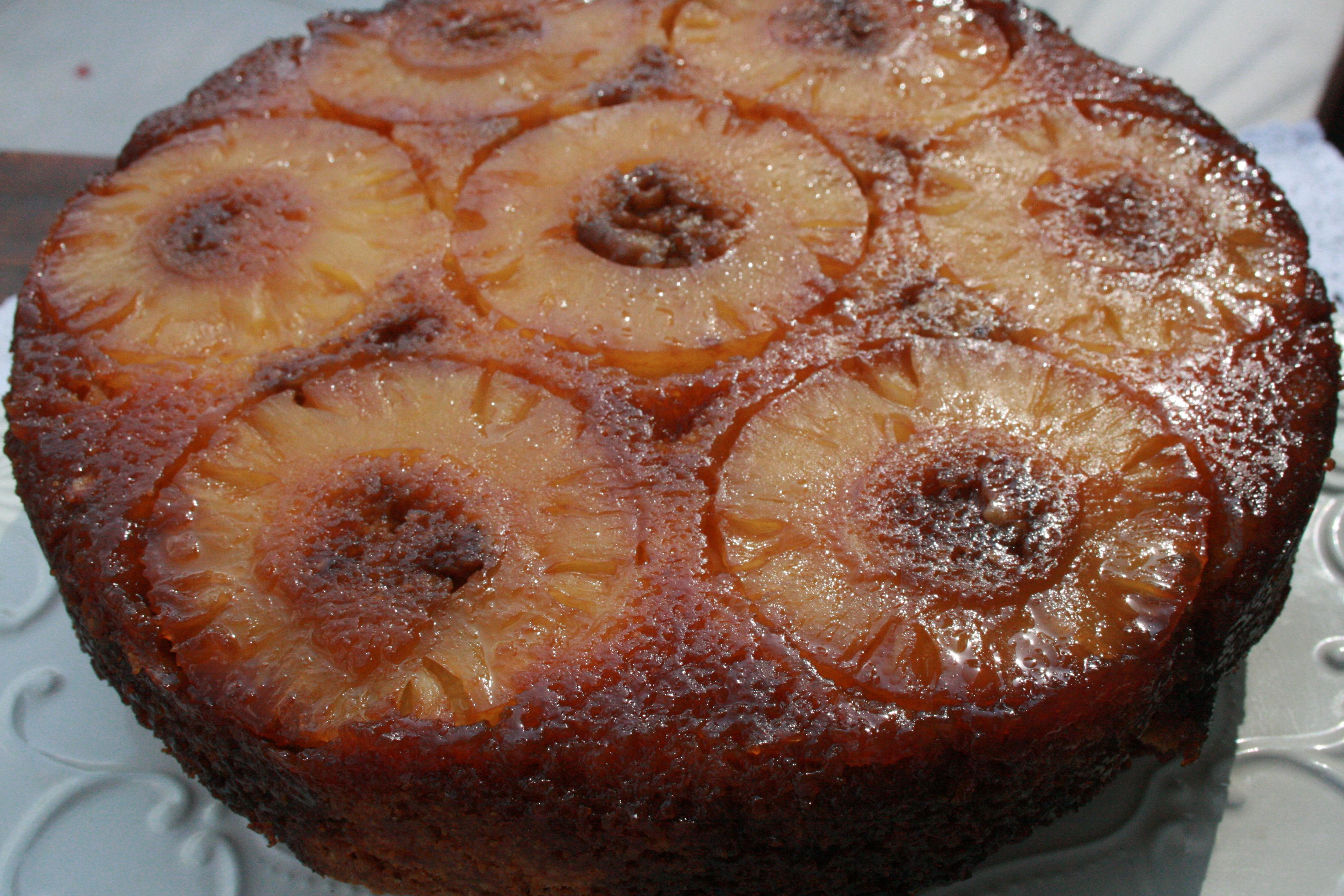 Ananaslı ve Hindistan Cevizli Kek